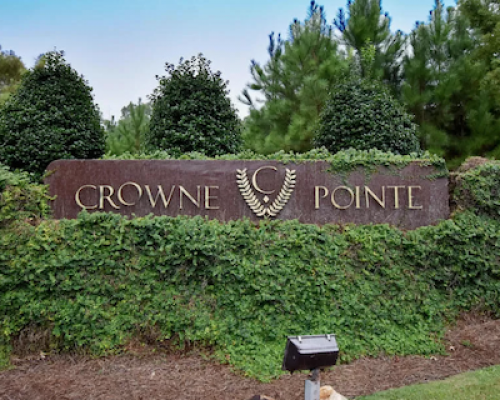 Crowne Pointe